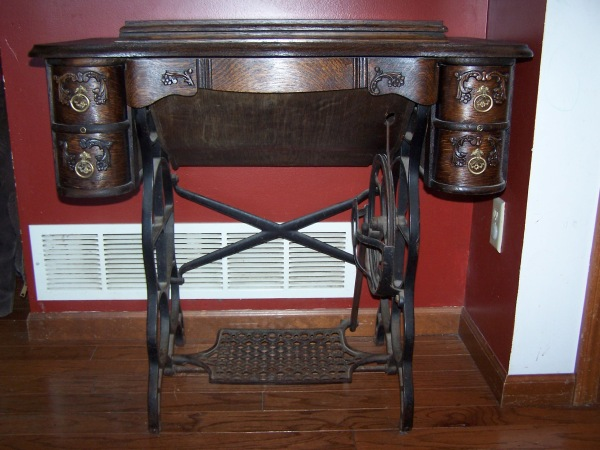 antique, awesome, restoration, refinish, repair, wood, custom, unique, fix, sewing machine
