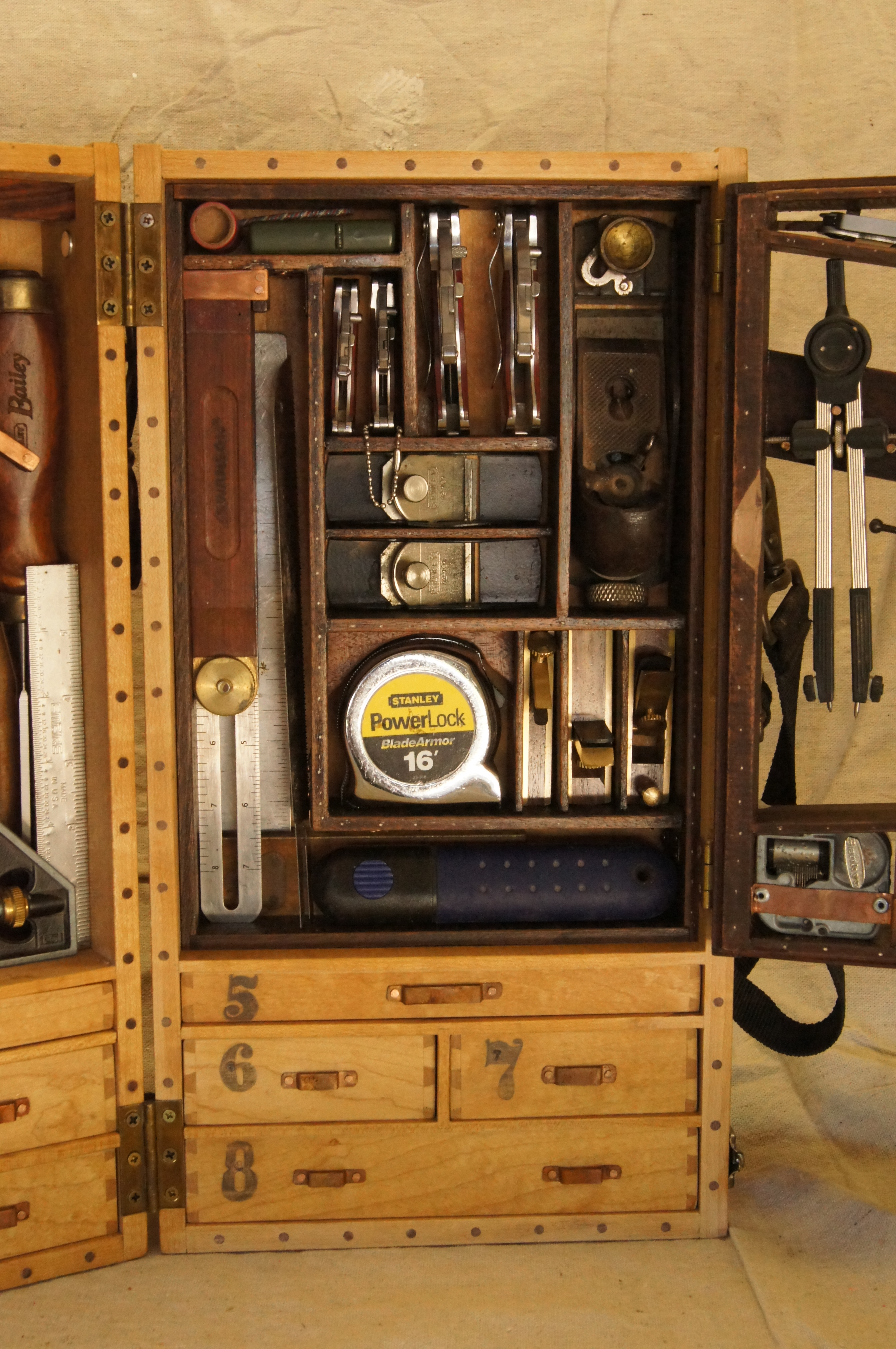 wooden toolbox a new design going to pieces. Black Bedroom Furniture Sets. Home Design Ideas