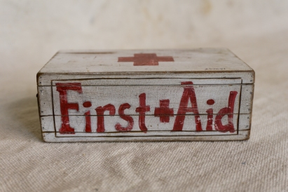 smallFirst-aid-box_2