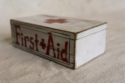 smallFirst-aid-box_3