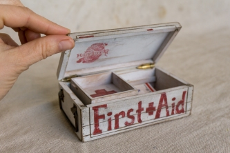 smallFirst-aid-box_6