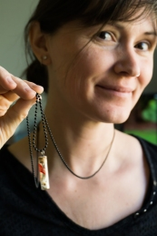 tooth-vial-necklace_5